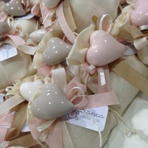 Sacchetto in cotone con fuori calamita in porcellana a forma di cuore